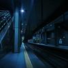 大都市地下の寂れた駅