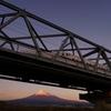 夕暮れ時の富士川橋梁