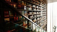 本屋で涼む…①