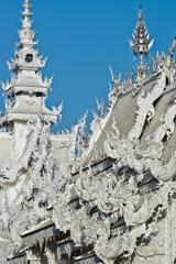 白い寺:ワット・ロンクン