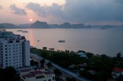 ベトナム・ハロン湾の朝日