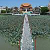 台湾・高雄市、蓮池潭の景色