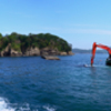 宮古湾周遊 ⑥日出島と工事船と航跡