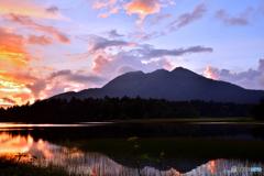夕陽に映す燧ケ岳
