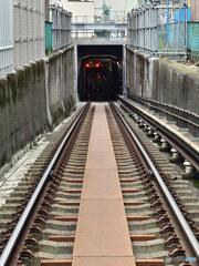 地下への進入路
