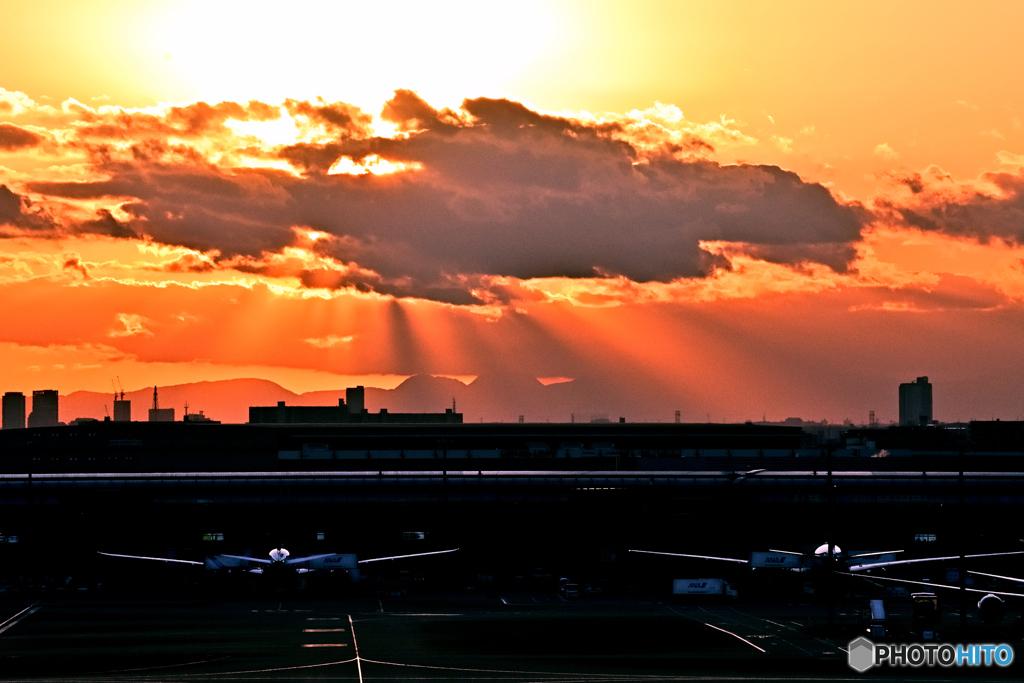 羽田空港・夕景(2)