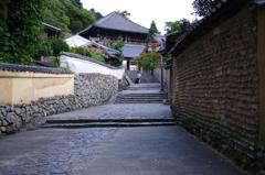 東大寺大仏殿裏から二月堂へ