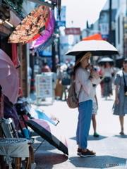 【街の情景】・暑い日・・鎌倉 小町通りにて!