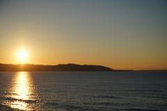 三浦半島から上る朝日