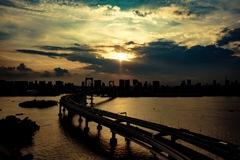 夕陽とレインボーブリッジ