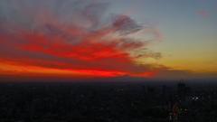 スカイデッキからの夕焼けと富士山 そして 首都高速3号線