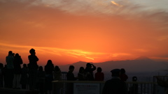 スカイデッキからの夕焼けと富士山