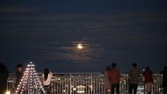 スカイデッキから見た 2.018.11.23のお月様