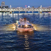 「隅田川の賑わい」