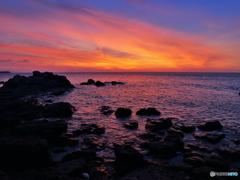 海が燃える夕べ