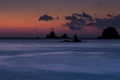 オレンジの空と青い海