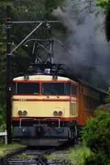 補助機関車