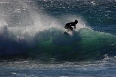 波上に立つ