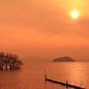 竹生島に沈む夕陽