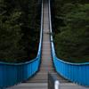 青の吊り橋