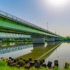 江戸川にかかる橋と青空