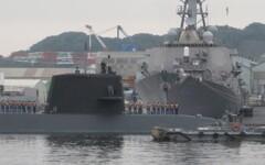 潜水艦入港