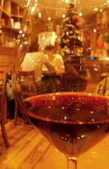 ワイングラスの向こう