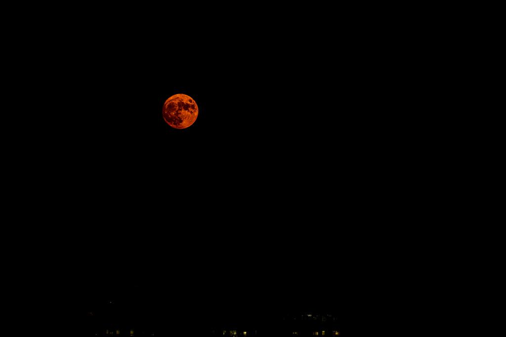 月もにっこり