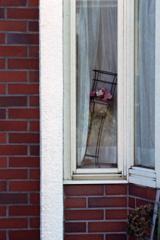 ちょっと気になった「窓辺の造花」②