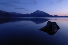 穏やかな湖