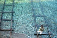 海へ消える線路