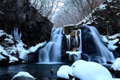 冬の明神滝③