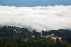 雲海の上に住むお宅