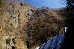 袋田の滝と屏風岩
