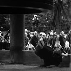 京都年の瀬散歩-知恩院試し撞き・渾心-