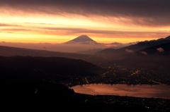 染まる諏訪湖 染まる富士
