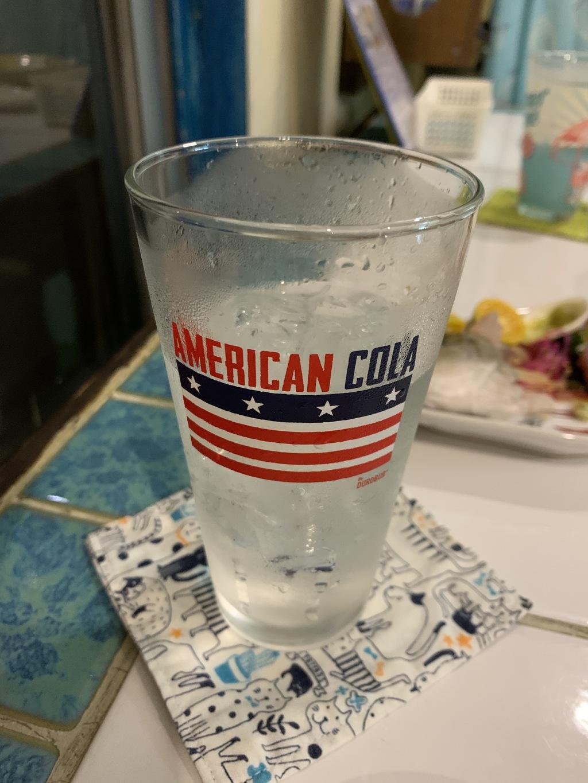 西表島の居酒屋で頼んだ泡盛水割り…
