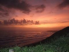 御前崎灯台の夕日