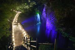 妖艶ライトアップ高千穂峡