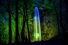 玉簾の滝 ライトアップ その1
