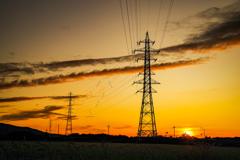 夕日と鉄塔