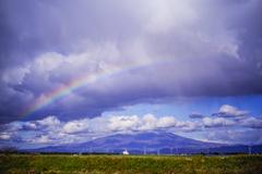 秋空と鳥海山    ~時々、虹~