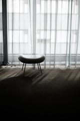 l'espace blanc~椅子の孤独