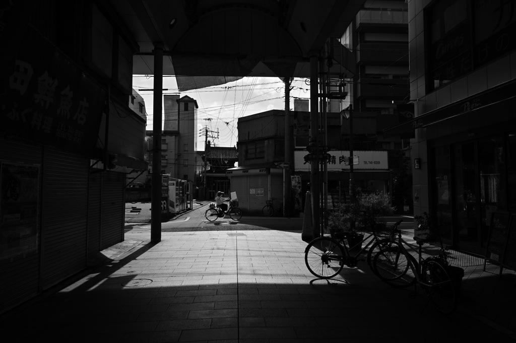 路地裏 商店街