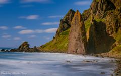最果ての秋 礼文 地蔵岩 ~風立ちぬ、シルキーな海にそびえる。~