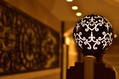 三菱一号館 階段の装飾