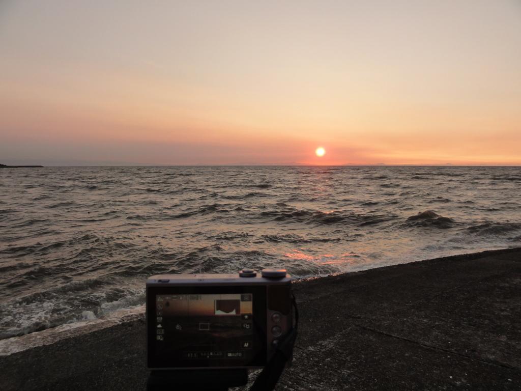 古いデジカメで夕日撮影