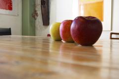 リンゴ三兄弟