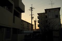黄昏の給水塔 10