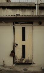 路地裏の風景 ~ういたドア~